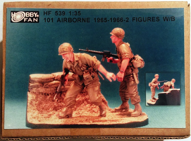 U.S. 101 Airbrone 1965-1966 Vietnam - 2 Figures with Base