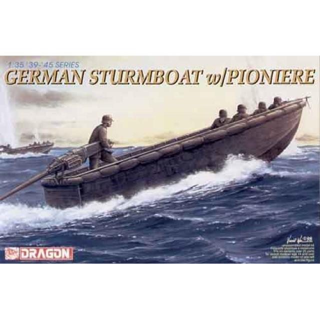 German Sturmboat With Pioniere